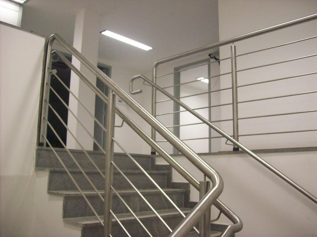 Escada Com Piso Laminado